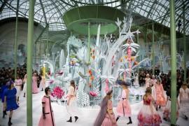 Lente d'Ingradimento: Scenografie alla Chanel