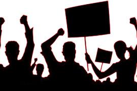 Cronache di moderna democrazia: chi non è d'accordo vada a piedi