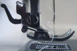 Questione di punti: l'invenzione della macchina da cucire