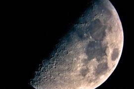 Moon my Love: da dove viene il nostro satellite? – Scienza in pillole
