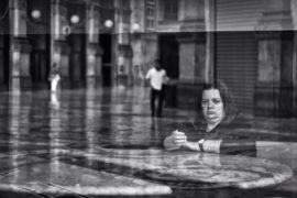 Gli sguardi degli avventori di Mc Donald's nelle fotografie di Marco Rilli
