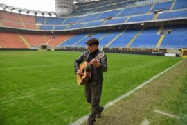 E i cau boi vànn giò a Milan: Van De Sfroos arriva a San Siro