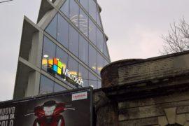 La grande casa di Microsoft e Feltrinelli