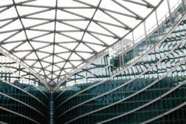 Palazzo Lombardia di Milano guardare al di là del proprio naso