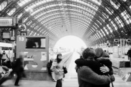 Avvolti in un abbraccio