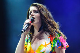 "LANA DEL REY VEDE TUTTO ROSA IN ""LUST FOR LIFE"""