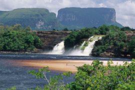 DOSSIER | Il devastante tracollo economico del Venezuela