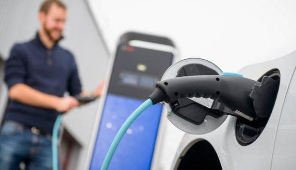 Le auto elettriche rappresentano una salvezza per il futuro?