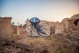 I murales fioriscono anche nel deserto