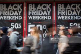 DOSSIER| Black Friday – Quando il consumismo si fa estremo