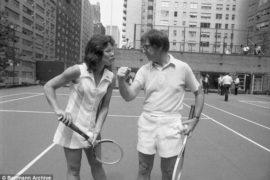 La battaglia dei sessi: una donna di talento e un patetico maschilista si sfidano… sul campo da tennis