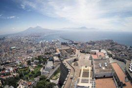 """""""Vedi Napoli e poi muori!"""": la città partenopea vista con altri occhi"""