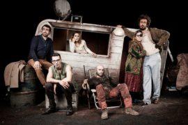 Cinque dritte teatrali per trascorrere un veglione alternativo a Milano