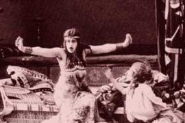 I costumi nei primi decenni del cinema: tra attrazione visiva e ricostruzione storica