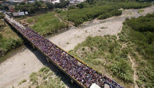 DOSSIER| Il drammatico viaggio dei venezuelani in Colombia