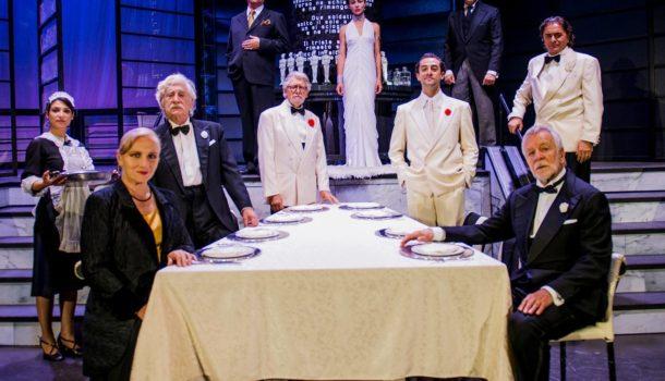 """""""Dieci piccoli indiani… e non rimase nessuno!"""" al Teatro Carcano, con regia di Ricard Reguant"""