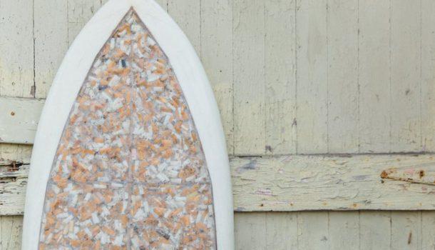 Cigarette Surfboard: 10mila sigarette per salvare il mare