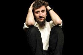 """""""Pueblo"""" dà voce agli ultimi al Teatro Franco Parenti"""