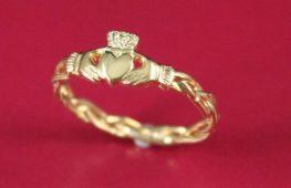 ICONS: Claddagh Ring, storia di un'icona della gioielleria