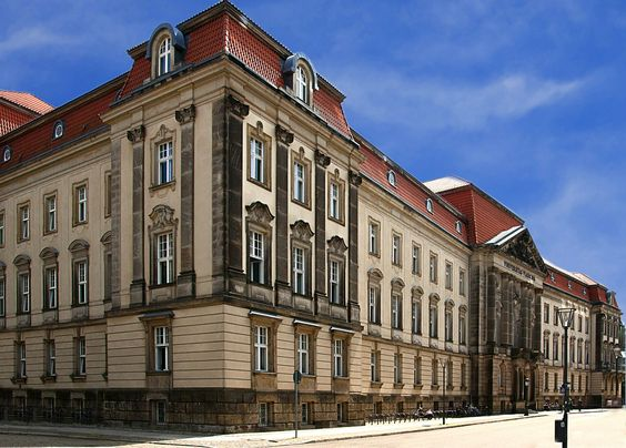 La Chiellino-Bibliothek: biblioteca sulla letteratura interculturale