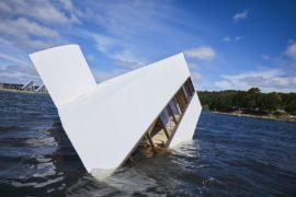 Flooded Modernity: Villa Savoye di Le Corbusier si fa metafora della modernità