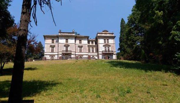 Villa Caselli: il ritrovamento della decorazione in marmorino