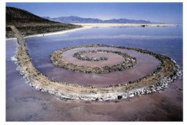 Arte e ambiente: ecco cos'è la Spiral Jetty di Robert Smithson