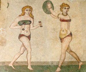 Mosaico romano con donne in costume